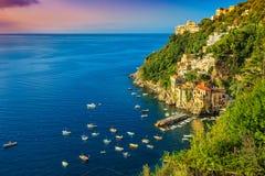 Panoramablick von Conca-dei Marini, Amalfi-Küste, Italien, Europa stockbild