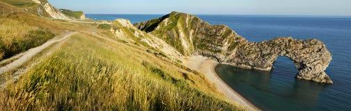 Panoramablick von Durdle-Tür in Vereinigtem Königreich. Lizenzfreie Stockfotos
