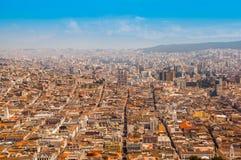 Panoramablick von EL Panecillo auf der historischen Mitte von Quito, Ecuador lizenzfreie stockfotos