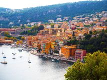Panoramablick von französischem Riviera nahe Stadt des Villefranche-sur-Mer, Menton, Monaco Monte Carlo, ` Azur, französisches Ri Stockfotografie