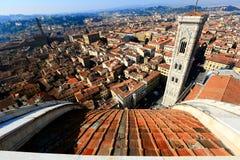Panoramablick von Giottos Glockenturm von der Spitze der Kathedrale Santa Maria del Fiore Lizenzfreies Stockfoto