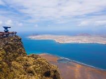 Panoramablick von Graciosa-Insel von Mirador-del Rio Lanzarote Kanarische Inseln spanien stockbilder