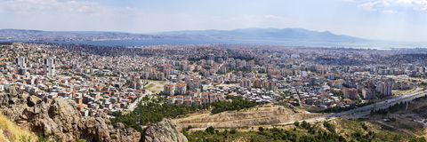 Panoramablick von Izmir-Stadt im Jahre 2015 Lizenzfreie Stockfotos