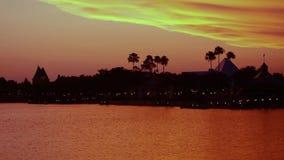 Panoramablick von Kanada Pavillion und Schattenbild der Pyramide, Reise in Fantasie, auf sch?nem Sonnenunterganghintergrund von S stock footage