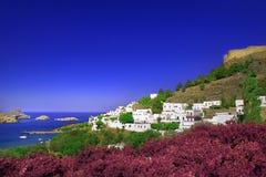 Panoramablick von Lindos in der Insel von Rhodos lizenzfreie stockfotos