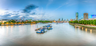 Panoramablick von London-Skylinen Lizenzfreies Stockfoto