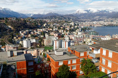 Panoramablick von Lugano, die Schweiz, mit auffälligem Apls Lizenzfreie Stockbilder