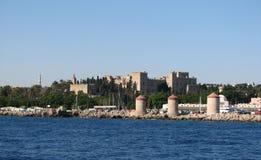 Panoramablick von Mandraki-Hafen lizenzfreies stockbild