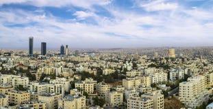 Panoramablick von modernen Gebäuden Ammans im neuen Stadtzentrum Lizenzfreie Stockbilder