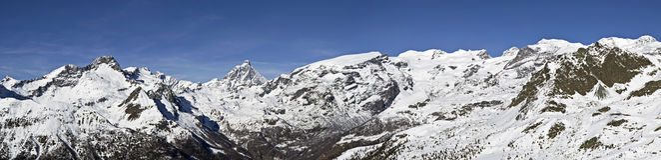 Panoramablick von Monte Rosa und von Cervino Stockfoto