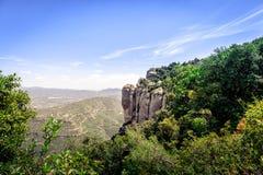 Panoramablick von Montserrat-Bergen nahe Barcelona, SpainPanoramic-Ansicht von Montserrat-Bergen nahe Barcelona, Spanien Stockbilder