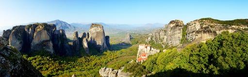 Panoramablick von oben genanntem auf Rousannou - Kloster St. Barbara lizenzfreies stockfoto