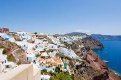 Panoramablick von Oia auf der Insel von Santorini Thera, Griechenland Lizenzfreies Stockfoto