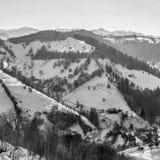 Panoramablick von Pestera im Winter, Brasov, Siebenbürgen, Rumänien stockbild