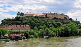 Panoramablick von Petrovaradin-Schloss Lizenzfreies Stockfoto
