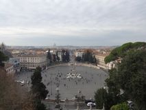 Panoramablick von Piazza Del Popolo lizenzfreie stockfotos