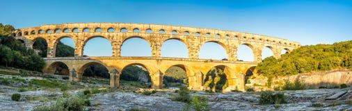 Panoramablick von Pont DU Gard lizenzfreie stockfotografie