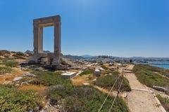 Panoramablick von Portara, Apollo Temple Entrance, Naxos-Insel, Griechenland lizenzfreie stockfotos