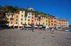 Panoramablick von Portofino, ein italienisches Fischerdorf, Genua-Provinz, Italien Ein Touristenort mit einem malerischen Hafen u lizenzfreies stockfoto