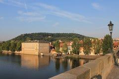 Panoramablick von Prag- und Moldau-Fluss, Tschechische Republik stockfotografie