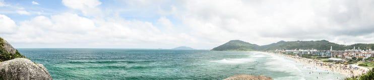 Panoramablick von Praia Brava-Strand in Florianopolis, Brasilien Stockbild