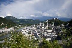 Panoramablick von Salzburg vom Mönchsberg-Hügel Stockfotografie