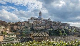 Panoramablick von Santa Maria catedral, Siena Stockbild