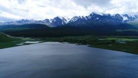 Panoramablick von See blutete Luftzeitlupe 4k stock video footage