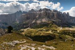 Panoramablick von Sella-Gruppe in den Dolomit Lizenzfreie Stockfotografie