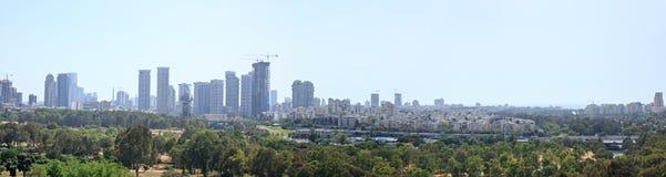 Panoramablick von Tel Aviv Skylinen Lizenzfreie Stockbilder
