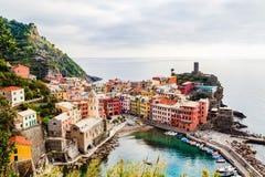 Panoramablick von Vernazza in Cinque-terre, Ligurien, Italien Lizenzfreie Stockfotos