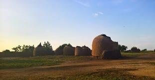 Panoramablick zu Bkonni-Dorf von Hausaleuten, Tahoua, Niger Stockbild