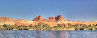 Panoramablick zur Boukkou Seegruppe Ounianga Serir Seen beim Ennedi, Tschad lizenzfreies stockbild