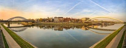 Panoramaboulevard Vistula i Krakow, sikt av det Kazimierz området Fotografering för Bildbyråer