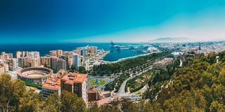 Panoramacityscape luchtmening van Malaga, Spanje stock foto's