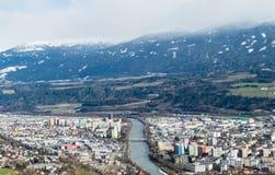 Panoramacityview av Innsbruck i Österrike royaltyfri bild