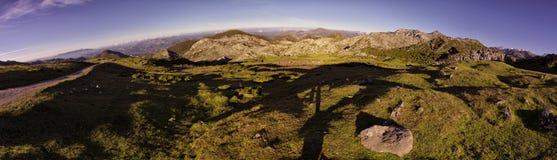 Panoramafoto van een landschap van het Nationale Park van Picos DE Europa royalty-vrije stock afbeelding