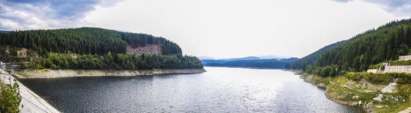 Panoramafoto van een meer royalty-vrije stock afbeelding