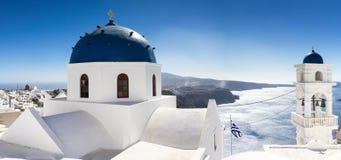 Panoramakyrka av Imerovigli Arkivfoto