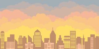Panoramalandschaft des Morgenschattenbildes der Stadt Sonnenaufgang gegen den Hintergrund von einer Großstadt mit Wolkenkratzern Lizenzfreies Stockbild