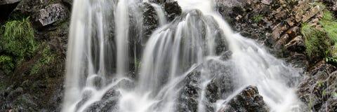 Panoramalandschaftswasserfalldetail Lizenzfreies Stockbild