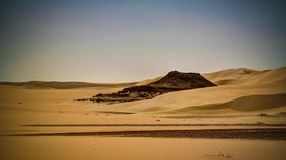 Panoramalandschap bij Grote zandoverzees rond Siwa-oase, Egypte stock foto