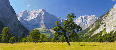 Panoramalandskap i Österrike arkivfoto
