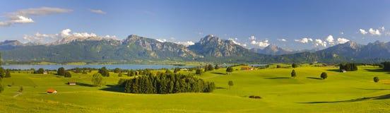 Panoramalandskap i bavaria arkivbild