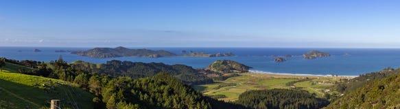 PanoramaMatauri fjärd och Cavalli öar Arkivbild