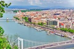 Panoramamening over Elisabeth Bridge en Boedapest, brug het verbinden Stock Afbeelding