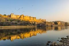 Panoramamening van het beroemde Indische oriëntatiepunt van Rajasthan - Amer Amber-fort, Jaipur, India Stock Foto's