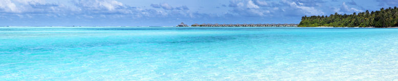 Panoramamening van over waterbungalow Stock Afbeeldingen