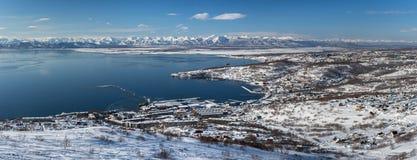 Panoramamening van Petropavlovsk-Kamchatsky Stad, Vreedzame Oceaan Het Russische Verre Oosten royalty-vrije stock foto's