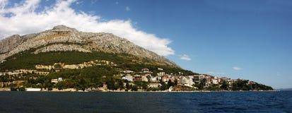 Panoraman av den kroatiska ön Arkivbilder
